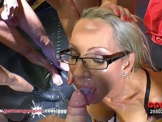 German slush Girls beautiful MILF Emma Starr Bukkake Gangbang