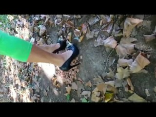 Kneeing Outdoors in High stilettos (Fetish Obsession)