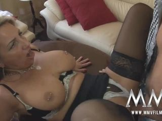 Big-boobed mature mummy in tights invited for tea and superb boink