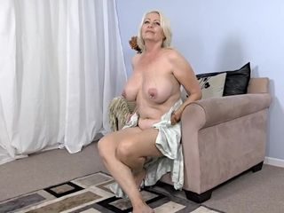 Super-fucking-hot obese grannie impressive solo flick