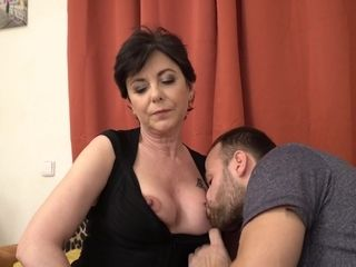 Mature Raunchy Mom Gysela Fucking Scene - HQ