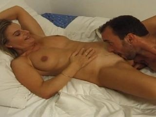 Nasty GILF luvs delicious pussy eating