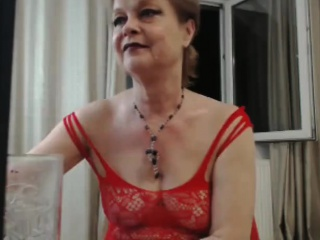 Mature woman masturbate