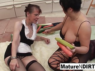 Brown-haired matures get each other off with vegetables