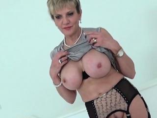 Unfaithful english cougar gill ellis flaunts her good-sized boobs38L