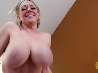HornyHouseHold - chesty bosoms mummy Dee Williams Invites guy Over - P.hub - Dee Williams