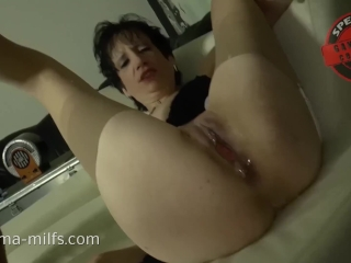 Spunk spunk sex For crazy Sperma cougar Kira .