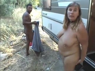 Casual van Making Out - obese cougar porno