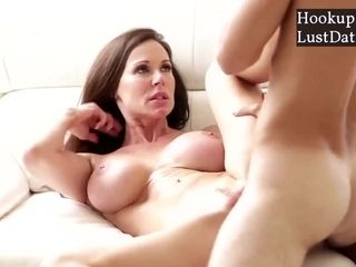 Bombshell step-mom Got banged stiff By son-in-law