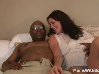 Interracial Creampie Pussy mad about Milf Bella Roxxx
