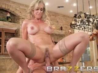 Brazzers - light-haired cougar Brandi enjoy, teaches her son well