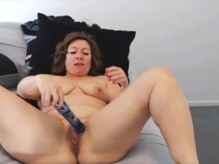 Lippy mature milf Ava with high high-heeled shoes nails beaver