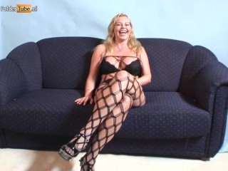 Pretentiously chest Dutch MILF Gets Squirting specification