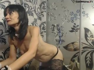 Bony mature flashes figure on webcam