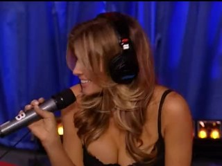 Howard Stern on The sybian saddle whit Carmen Electra