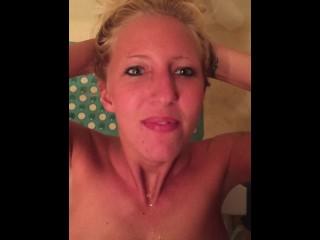Inexperienced platinum-blonde tramp peed on