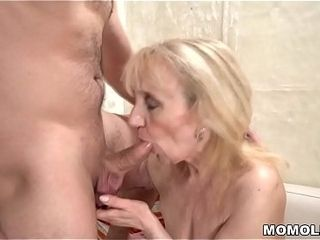 Grown up woman&#039_s superannuated pussy be full connected with stripling unearth