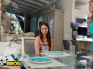 BANGBROS - Riley Reid Shares Boyfriend's chubby Negro Hawkshaw with reference to feign mother