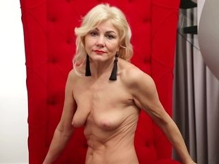 Thin GILF flashes Her figure