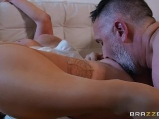 Midnight bang-out sequence with big-titted scorching milf Jesse Jane