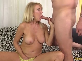 Blond granny Erica Lauren inhales and nails a Dopey dude