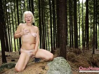 OmaHoteL pic Slideshow With nude grandmas