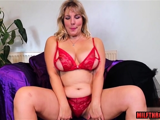 Smoothly-shaven snatch cougar fuck-fest with popshot