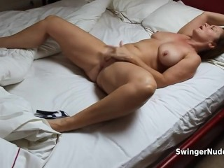 Flawless Housewife Masturbating 'til height