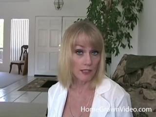 Mature platinum-blonde fledgling likes junior pink cigar