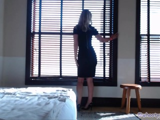 Beautiful taunt While In LA motel For PornHub Awards