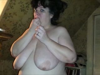 Dirty-minded huge breasted brunette hosuewife was ready for oral sex