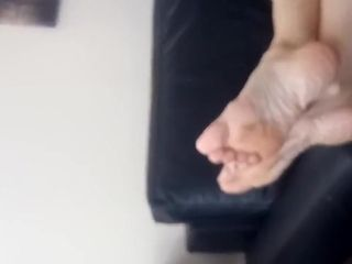 Mature black-haired cougar puckered feet.