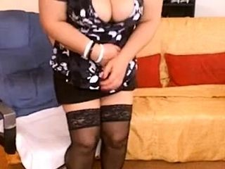 Stellar mature plus-size cam 1