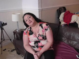 Grown up British BBW gets accustomed round say no to livroundg area be expeditious for crown