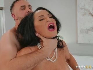 You won't find a hotter huge-boobed grandmother than porno starlet Rita Daniels.