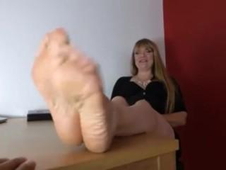 Tickling mature