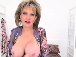 Adulterous uk mature female sonia demonstrates her XXL bra-stuffers