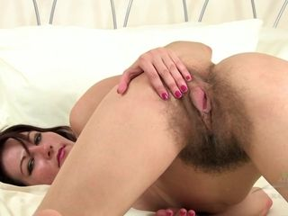 Unshaved honey strokes - insatiable cougar red-hot Solo