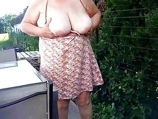 Pipi sur frigid terrasse