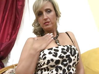 Cool mature mommy next door wants a supreme pound