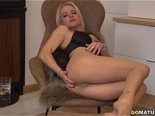 Brit cougar Tara Spades frolicking with herself