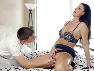 She Will Have To Help This Inexperienced Lover