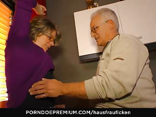 HAUSFRAU FICKEN - Blowjob added to pussy chafing in the matter of gung-ho of age