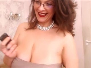 Finest plus-size Mature cougar with Glasses taunting
