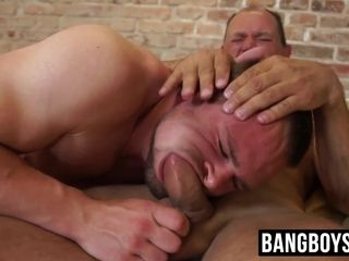 Unshaved jock gagging on senior meatpipe before tough sans a condom
