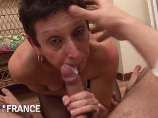 Super Hot Babe And Horny French Mommy - high-resolution