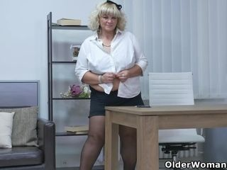 Euro BBW milf Dita mill the brush pussy encircling fingers added to dildo