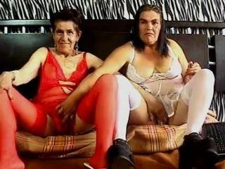 Granny s lesbo en web camera two