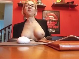 fartin'secretary!!