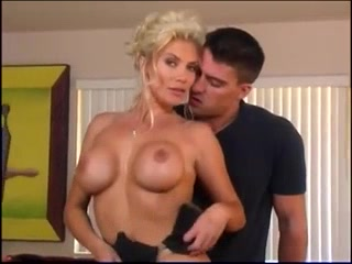 Sexually fascinating mommy i´d like to penetrate
